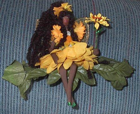 blacksunflowerfaeshelf.jpg
